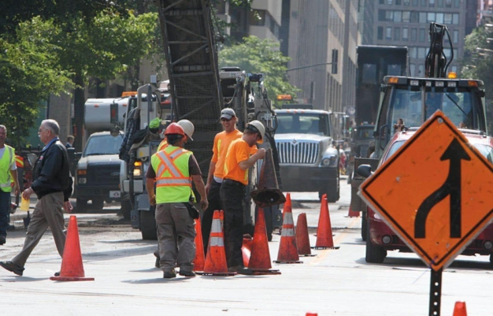 Des villes comme Montréal et Québec, plus âgées, sont particulièrement touchées par le vieillissement des infrastructures routières.