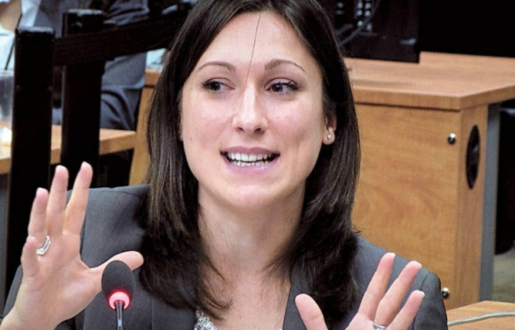 <div> Selon Valentina Tenti, l'industrie de la construction a été ciblée par la mafia parce qu'elle présente certaines vulnérabilités, notamment en matière d'encadrement législatif.</div>