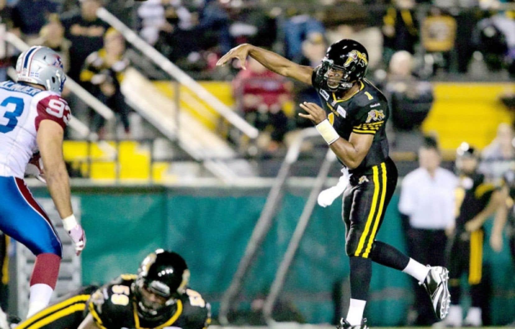 Henry Burris, des Tiger-Cats d'Hamilton, a lancé 5 passes de touché et amassé des gains de 326 verges par la voie des airs dans une victoire de 41-28 contre les Alouettes, le 28 septembre.