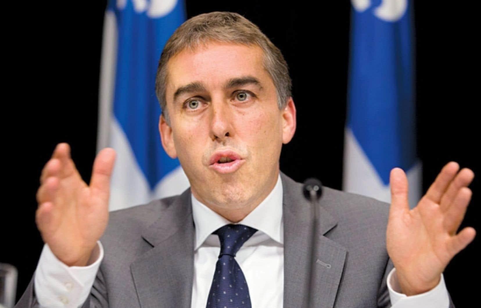 Le ministre des Finances, Nicolas Marceau, a annoncé mercredi à Québec qu'un projet de loi de nature budgétaire sera déposé dès cet automne pour mettre en place une « nouvelle contribution santé progressive ».