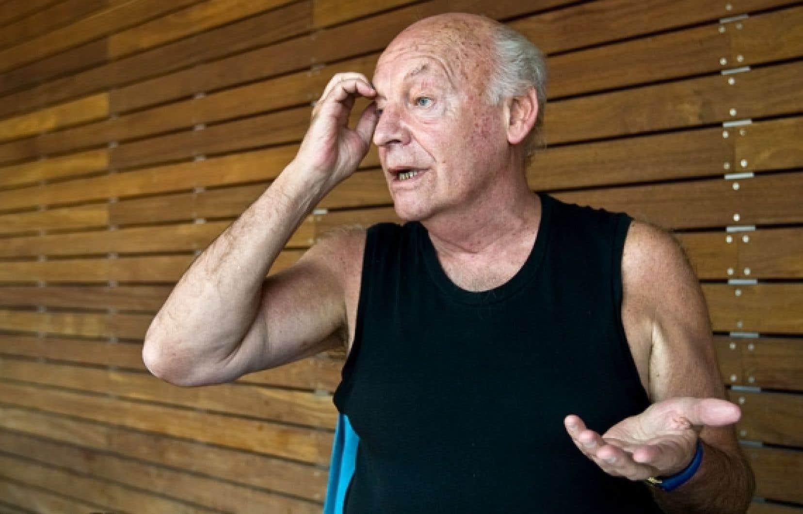 <div> L'auteur Eduardo Galeano, journaliste, essayiste et historien engagé uruguayen, a été révélé avec son livre Les veines ouvertes de l'Amérique latine.</div>
