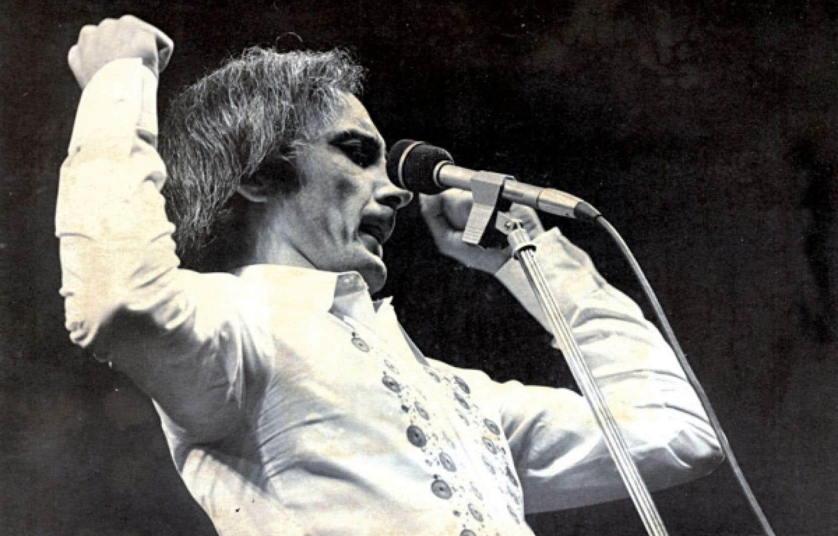 Yvon Deschamps sur scène en 1972