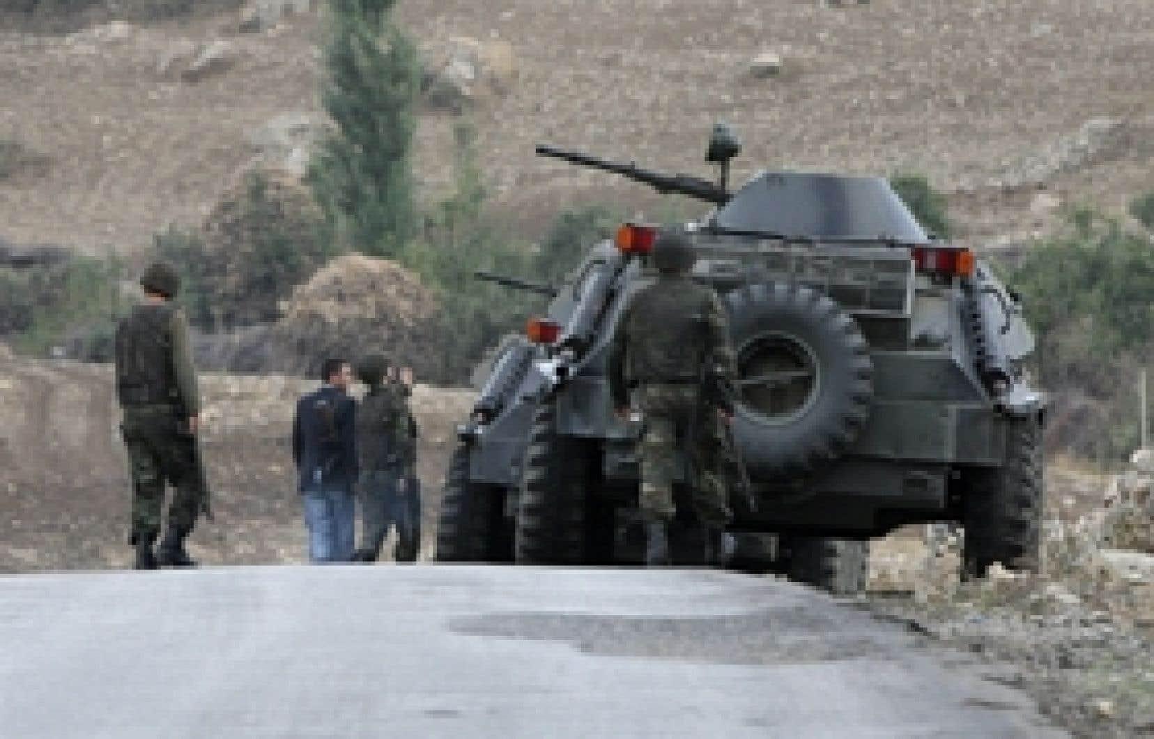 Patrouille turque à la frontière.