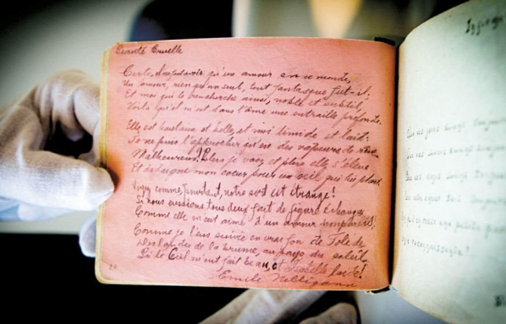 <div> Un des délicats carnets où Émile Nelligan consigna ses écrits durant son long internement à l'asile Saint-Jean-de-Dieu. Le carnet s'ouvre sur Déraison, poème qui fut omis du premier recueil de ses œuvres publié par son premier biographe, Louis Dantin.</div>