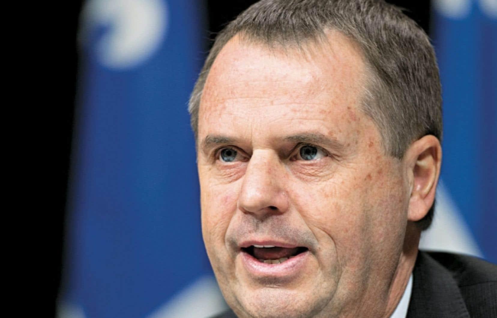 Le vérificateur général par intérim, Michel Samson, a présenté jeudi son rapport aux membres de l'Assemblée nationale.