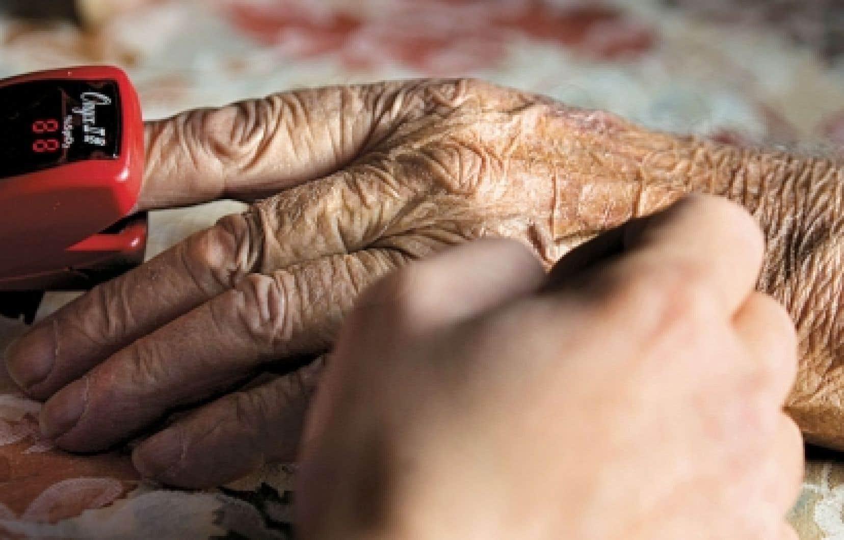 Sur les quelque 1200 malades suivis par la Société de soins palliatifs à domicile du Grand Montréal chaque année, 20 % des patients seulement finissent par mourir à leur domicile.