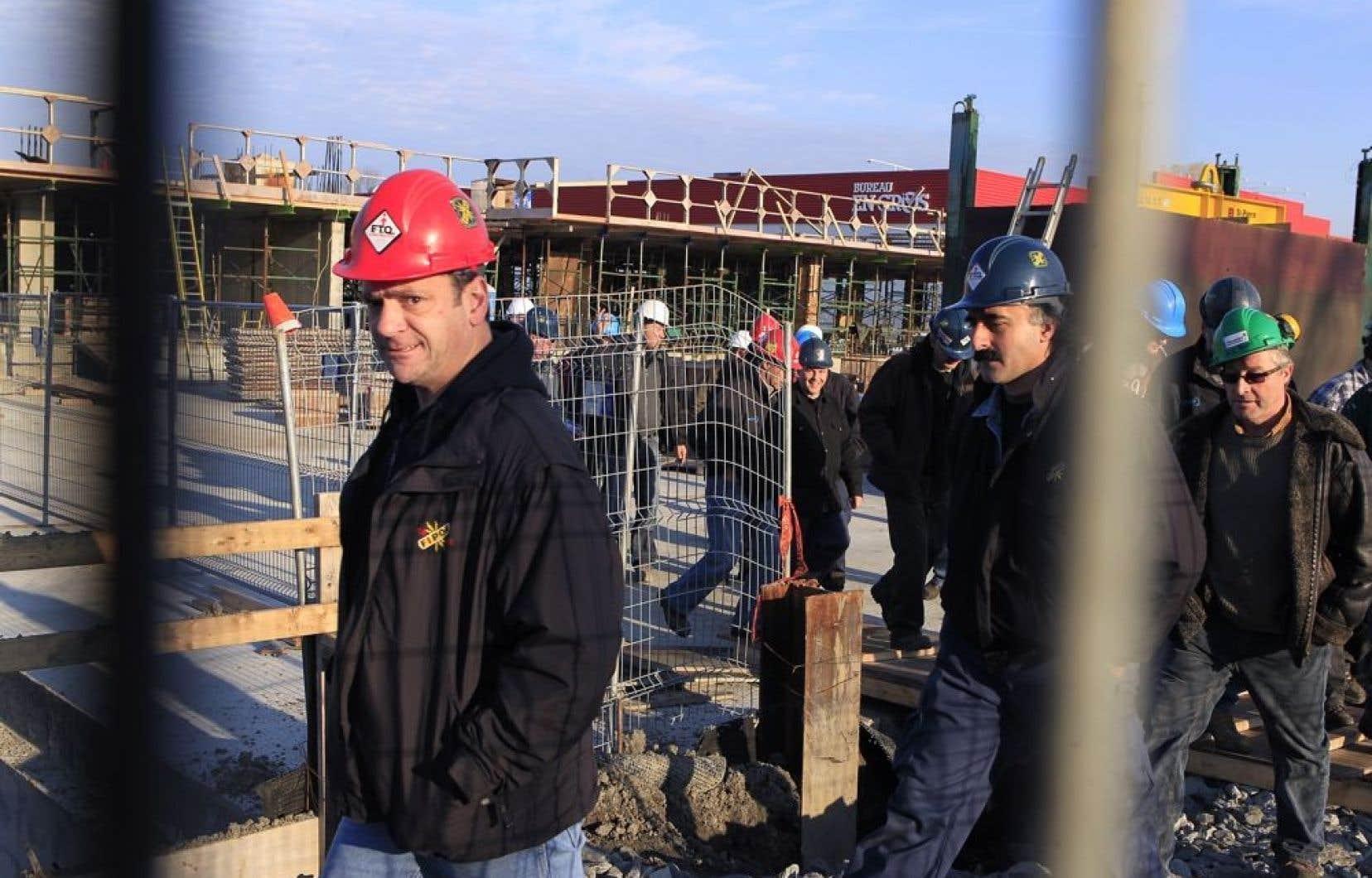 &Agrave; la FTQ-Construction, on refuse de d&eacute;voiler l&rsquo;identit&eacute; des personnes concern&eacute;es par le travail des enqu&ecirc;teurs. Ci-haut, des membres du syndicat sur un chantier.<br />