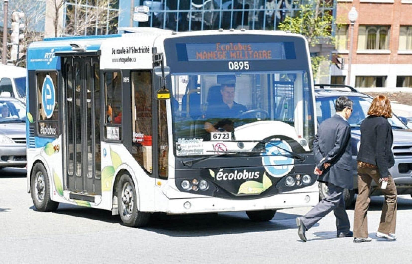 Les «écolobus», dans lesquels Québec a investi dès 2008, ont multiplié les pannes.
