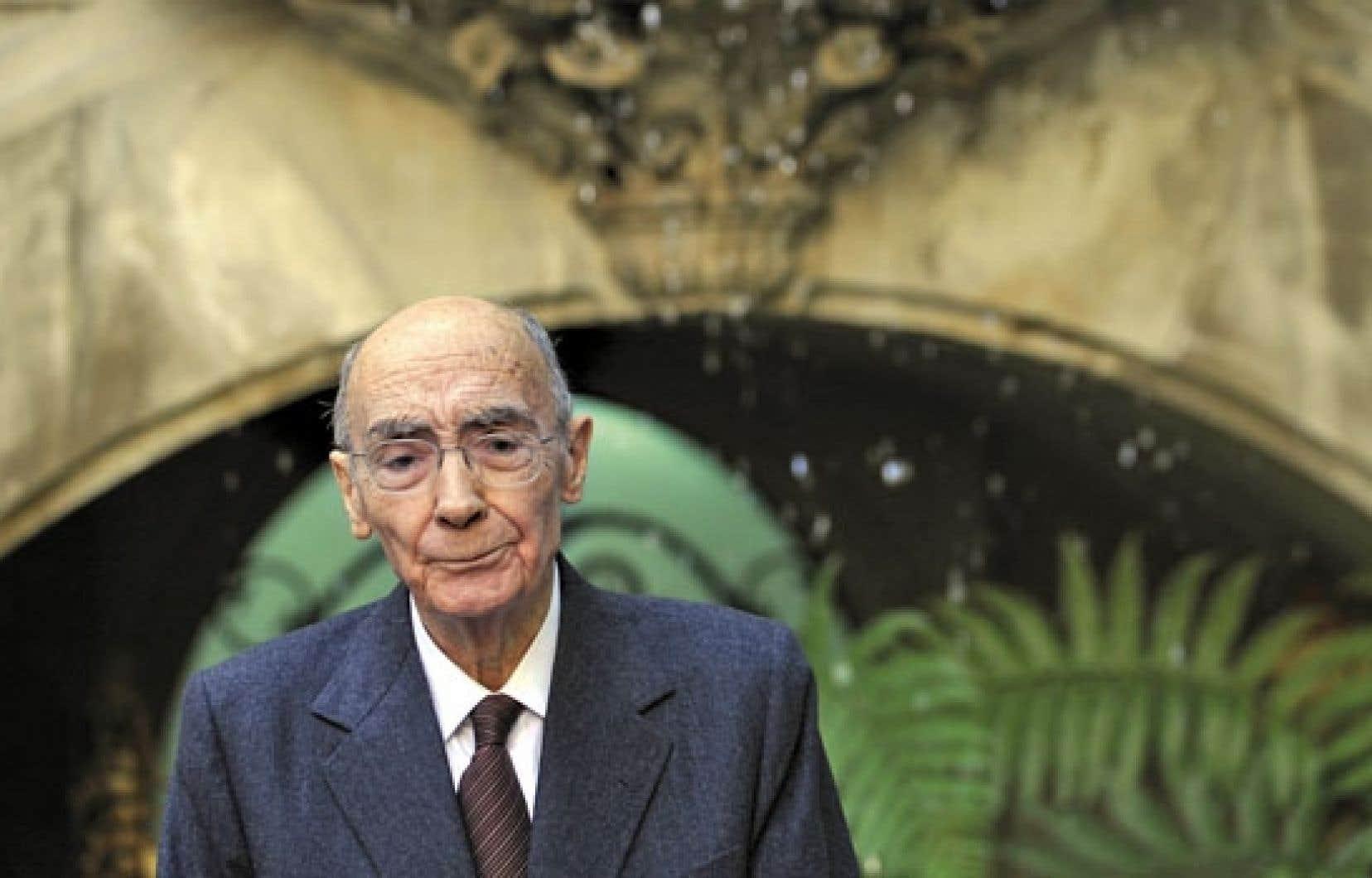 José Saramago a reçu le prix Nobel de la littérature en 1998. L'écrivain d'origine portugaise est décédé en 2010.