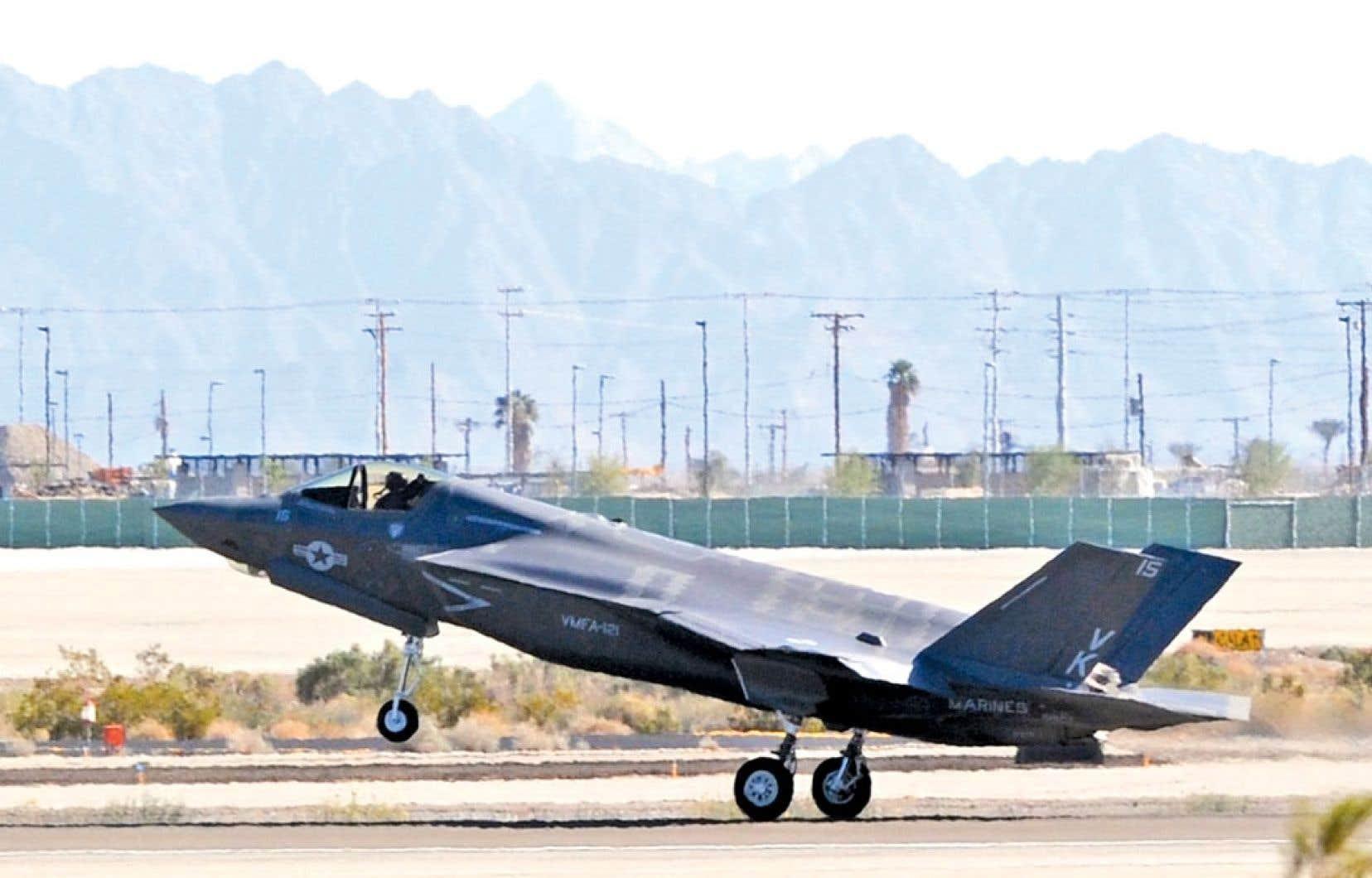 Les conservateurs affirmaient à l'origine qu'il en coûterait 16 milliards pour acquérir les F-35.