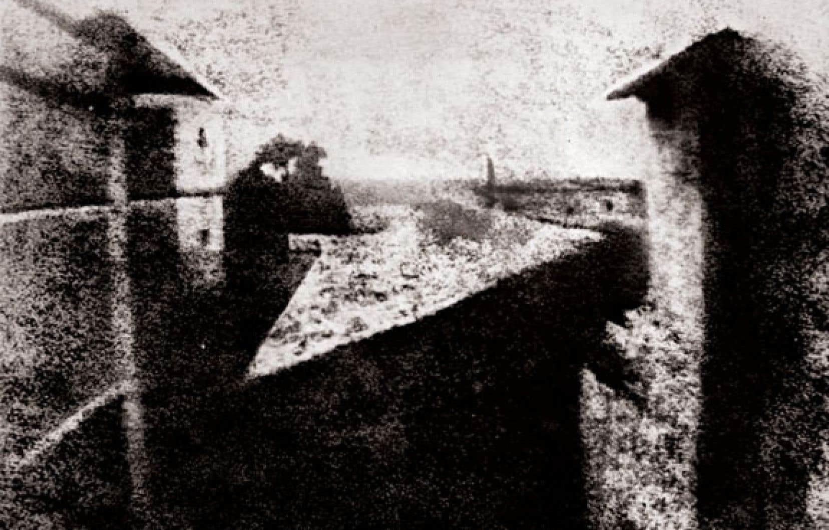 La photographie de Nicéphore Niepce, prise en 1826, est exposée aux musées Reiss-Engelhorn de Mannheim, en Allemagne.