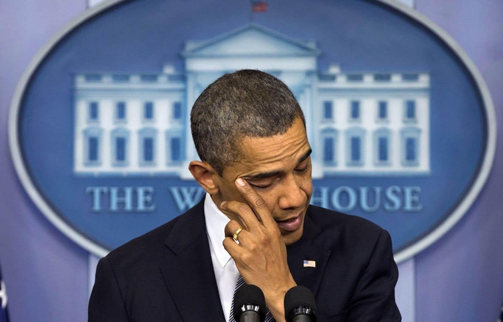 Barack Obama s'est brièvement adressé à la nation en milieu d'après-midi, lors d'un discours émotif.