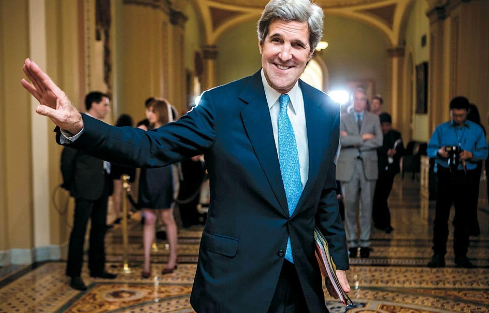 <div> John Kerry, avec sa longue expérience au Capitole, est considéré comme un candidat plus consensuel que Susan Rice à la succession de Hillary Clinton.</div>