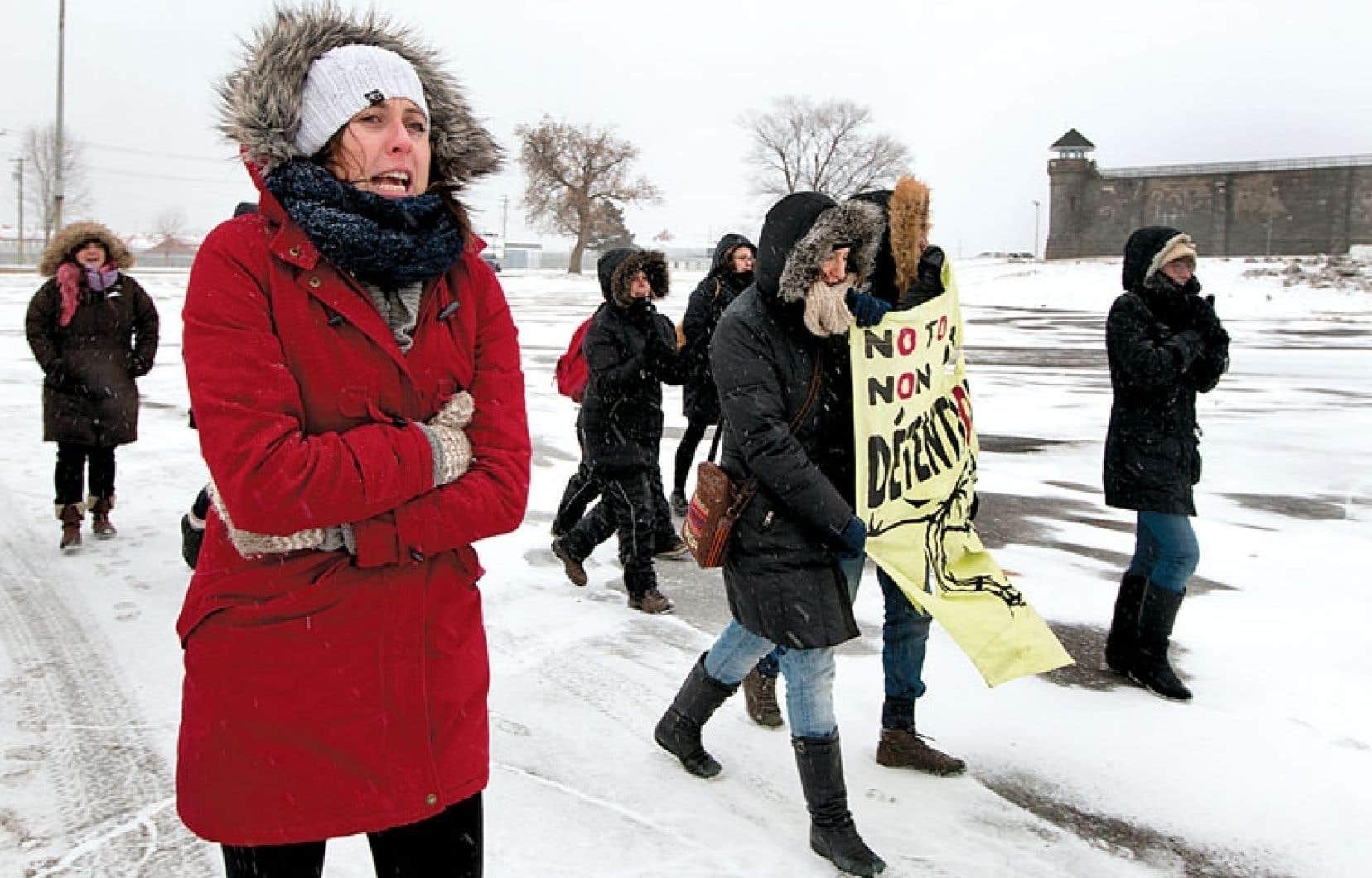 <div> Les changements apportés à la loi C-31 par le gouvernement Harper, qui sont dénoncés par les manifestants, comprennent notamment la mise sur pied d'une liste de « pays sûrs » qui comporte des conséquences négatives pour les demandeurs de statut de réfugié.</div>