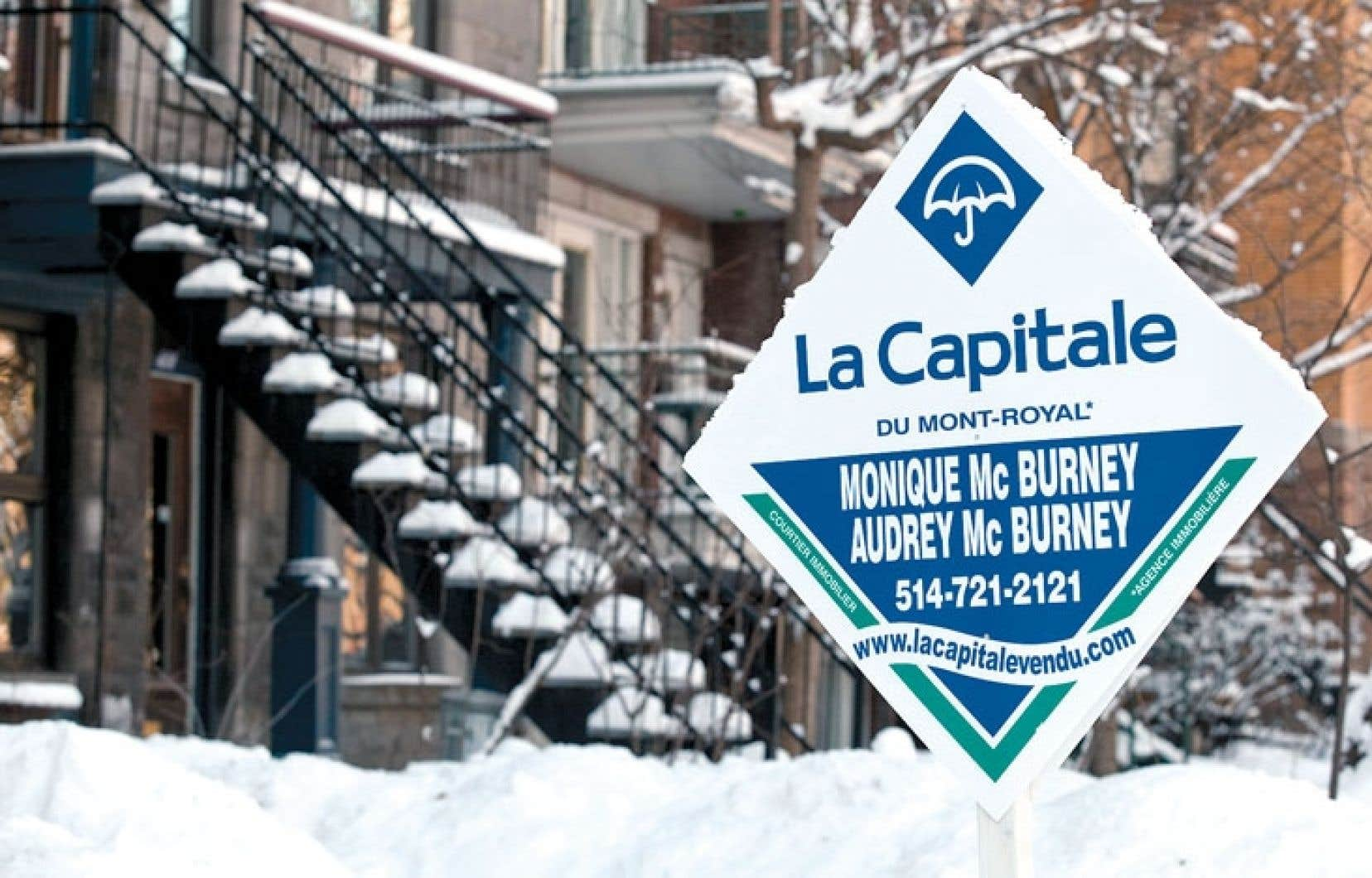Le ministre fédéral des Finances, Jim Flaherty, a resserré en juillet les règles sur les prêts hypothécaires pour une quatrième fois en autant d'années, dans le but de décourager les acheteurs potentiels qui risquent de plus de se retrouver en situation de surendettement.