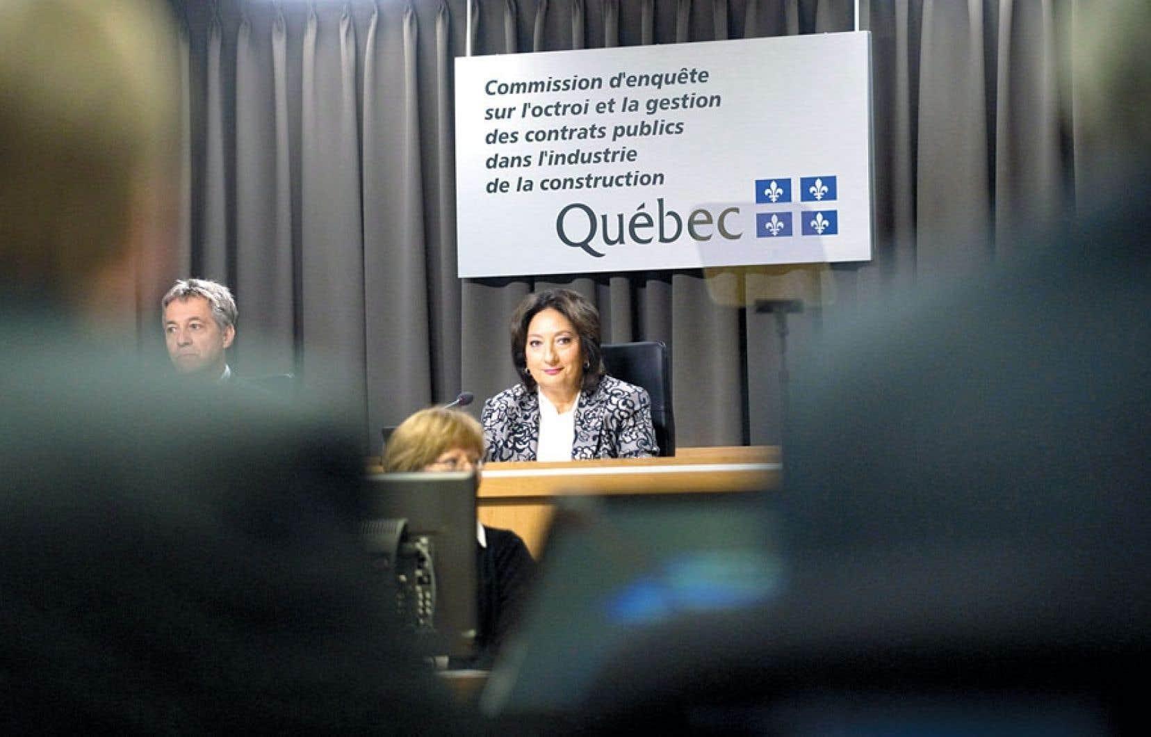 La juge France Charbonneau préside la Commission d'enquête sur l'octroi et la gestion des contrats publics dans l'industrie de la construction.