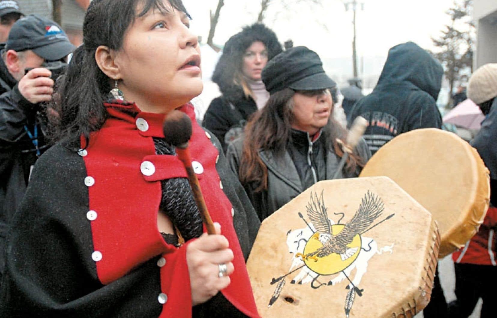 Des femmes autochtones ont manifesté à New Westminster en 2007 contre le sort réservé à certaines des leurs.