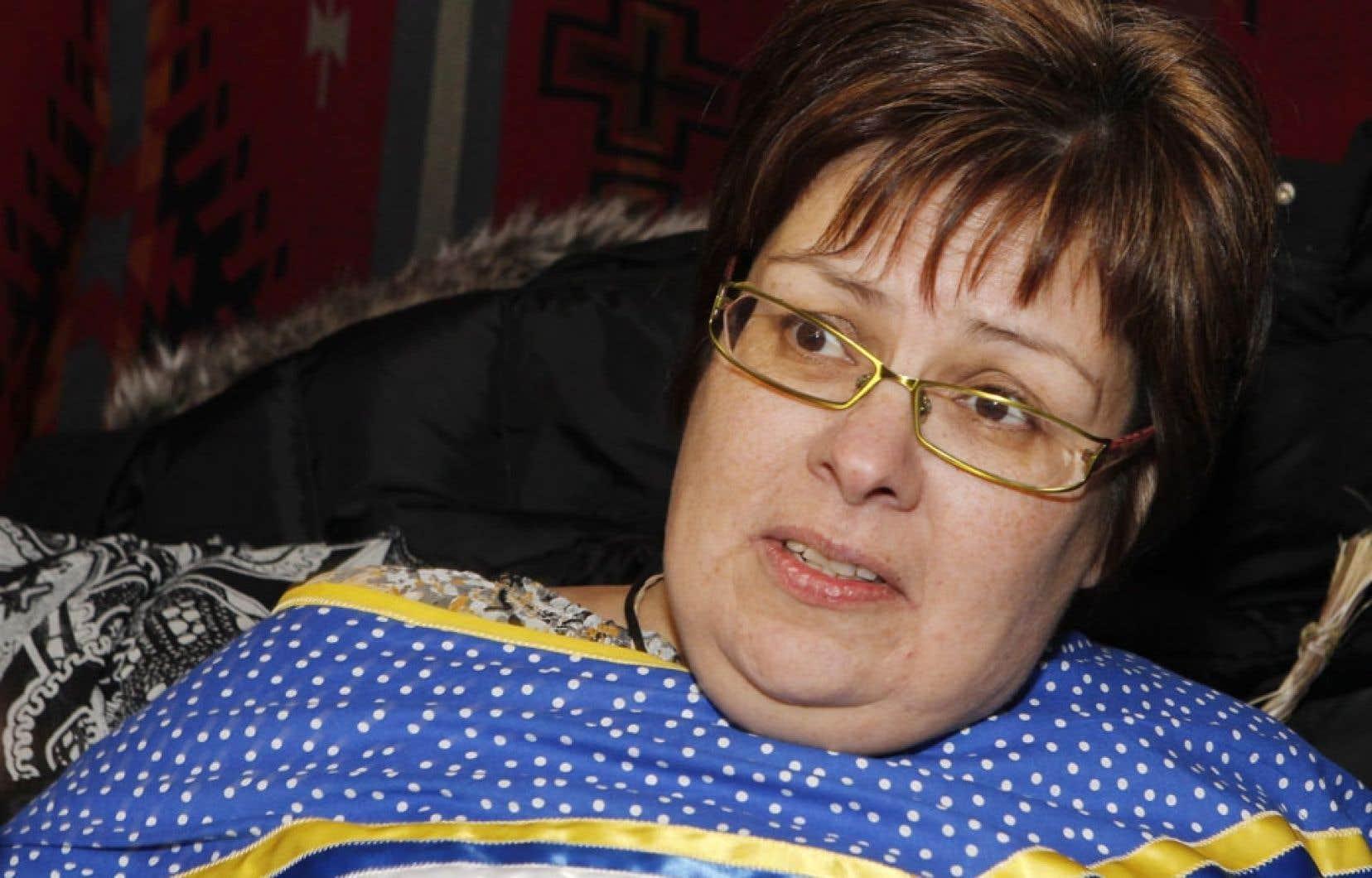 <div> Theresa Spence, la chef d'Attawapiskat en grève de la faim depuis le 11 décembre</div>