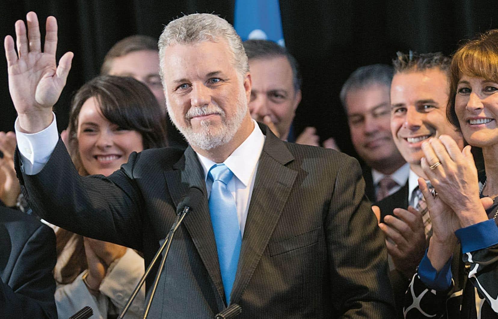Philippe Couillard estime nécessaire de relancer les débats au sujet de l'identité québécoise : « À mon avis, il n'y a pas un Québécois qui ne pense pas à l'avenir de la nation québécoise. »