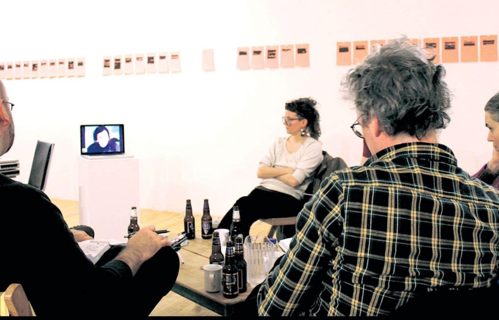 Le Centre des arts actuels Skol présente l'exposition Faut-il se couper la langue ?, d'Edith Brunette.