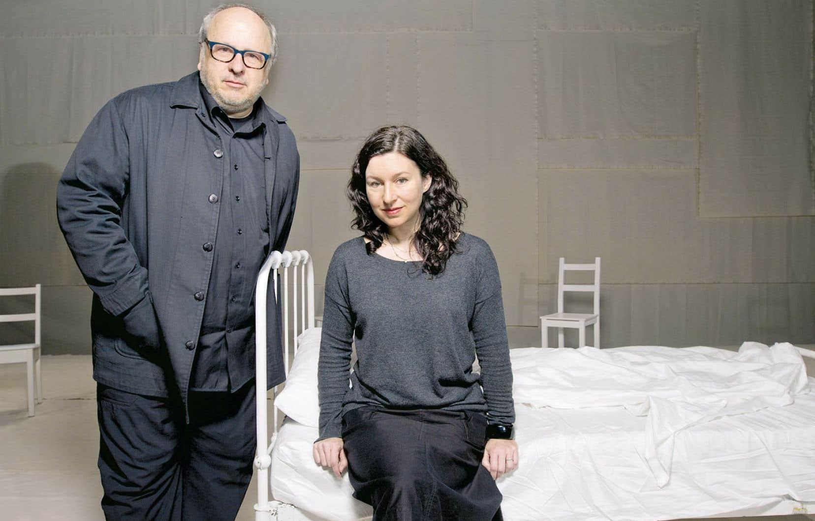 Denis Marleau et Stéphanie Jasmin reviennent à une dramaturgie contemporaine avec Le dernier feu de l'Allemande Dea Loher.