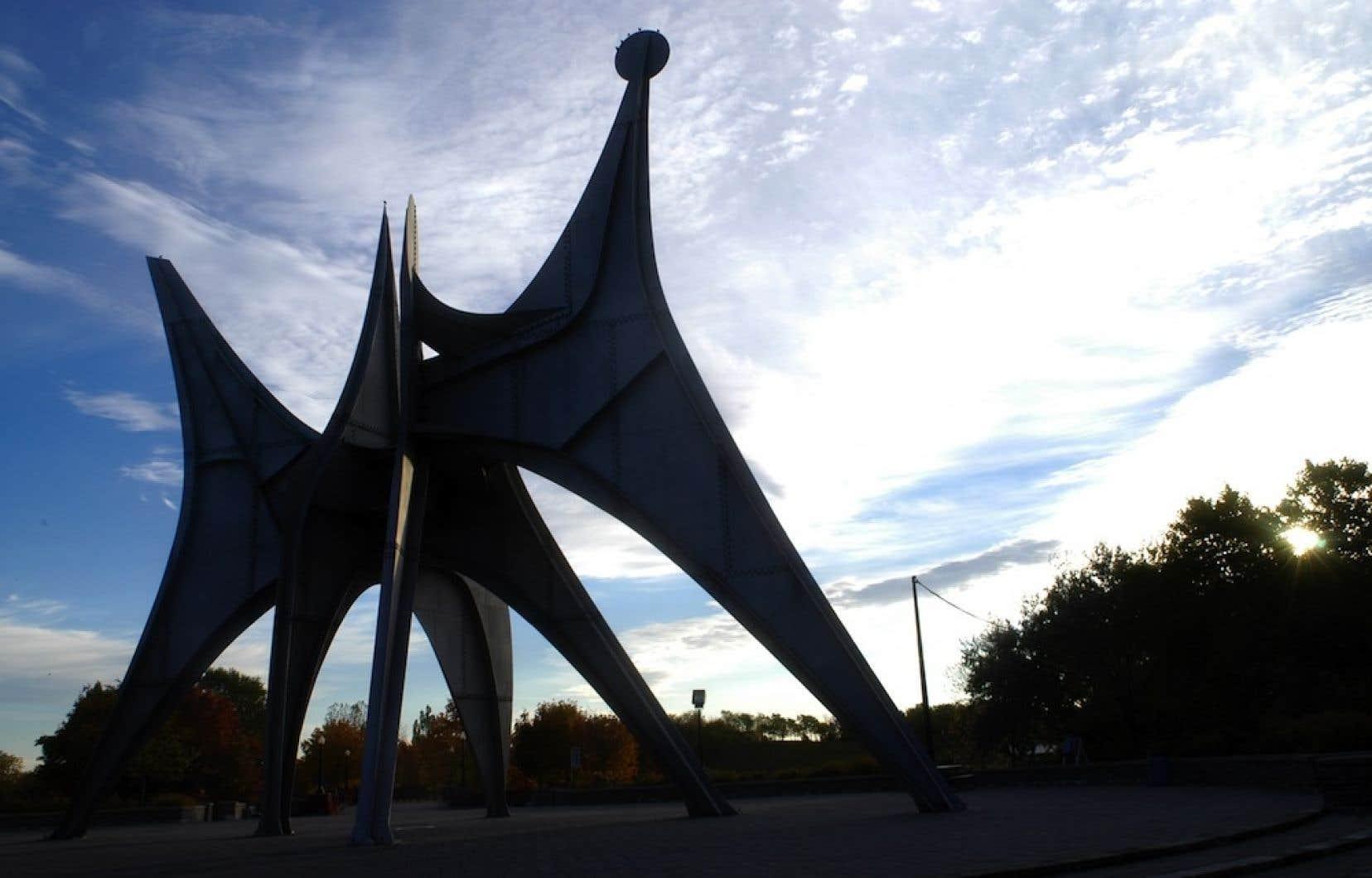 L'idée de déplacer la monumentale sculpture L'homme, d'Alexander Calder, du parc Jean-Drapeau vers le centre-ville de Montréal continue de faire débat.