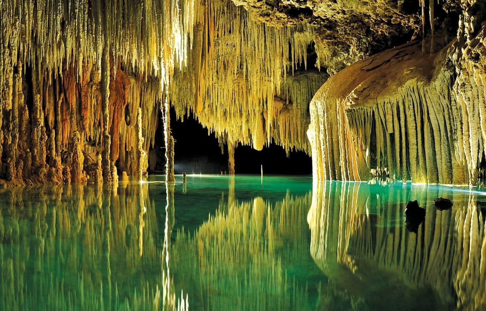<div> Plus on avance, plus dame Nature dévoile les multiples atours de sa fascinante garde-robe souterraine.</div>