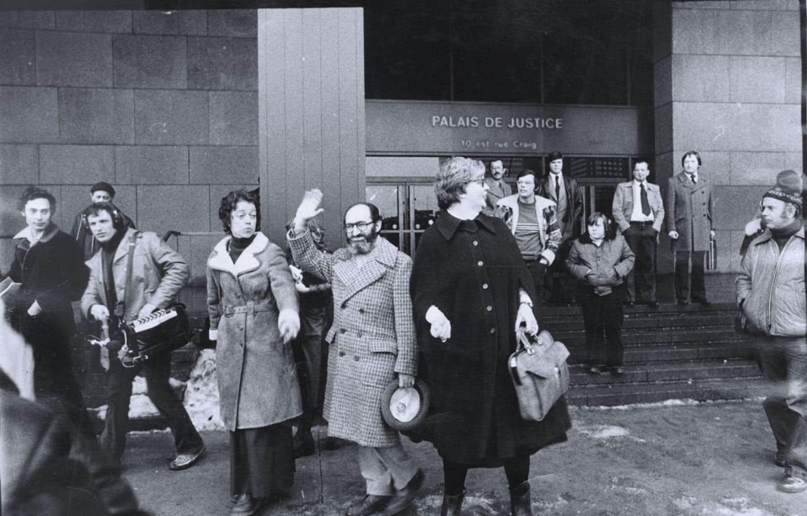 <div> Le 20 janvier 1976, la Cour d'appel du Québec maintient l'acquittement du docteur HenryMorgentaler, qui était accusé d'avortement illégal.</div>