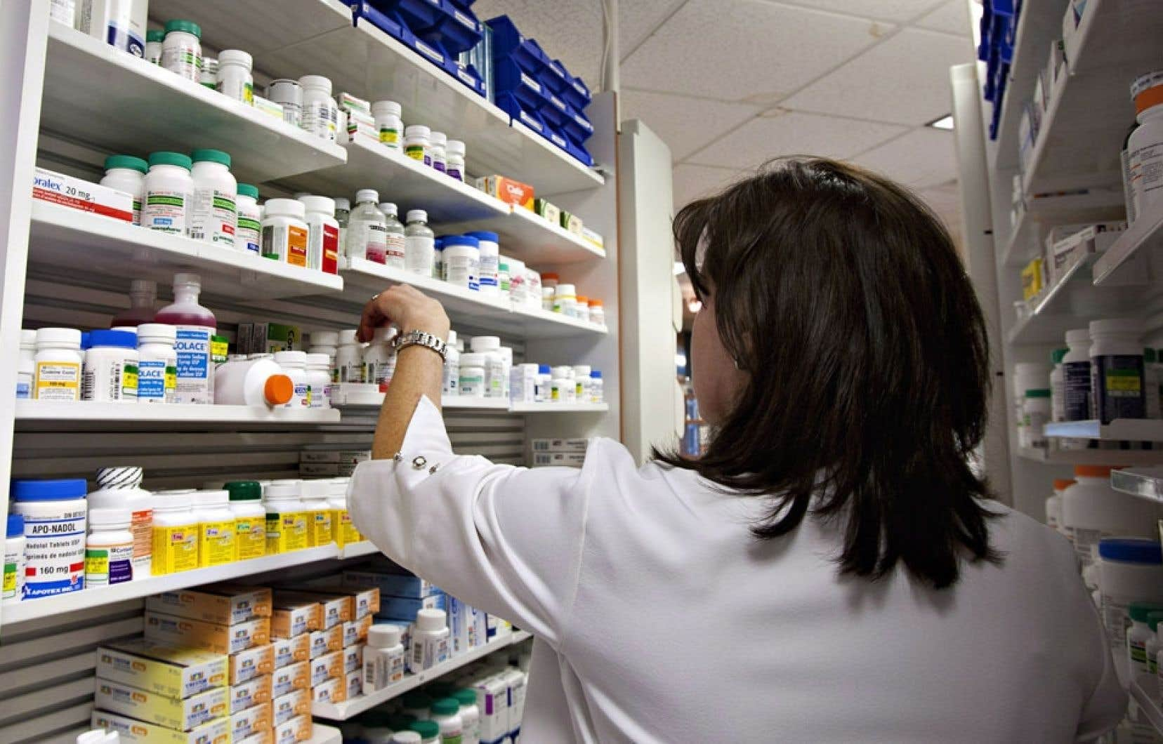 L'Ordre des pharmaciens doit se prononcer sur une pratique commerciale nouvelle qui vise à inciter les patients à ne pas passer aux versions génériques et moins coûteuses de leurs ordonnances, grâce à un rabais consenti sur les médicaments de marque.