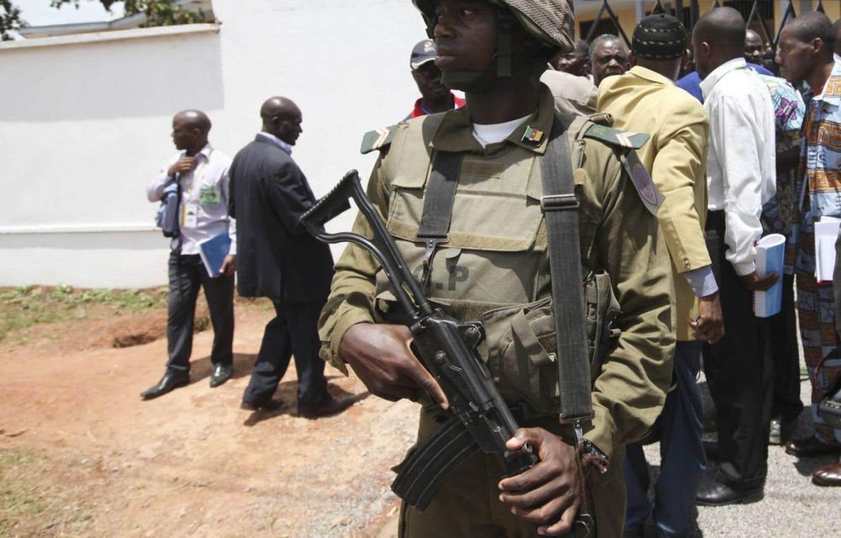 Le président du Cameroun, Paul Biya, a ordonné un renforcement de la sécurité au pays.