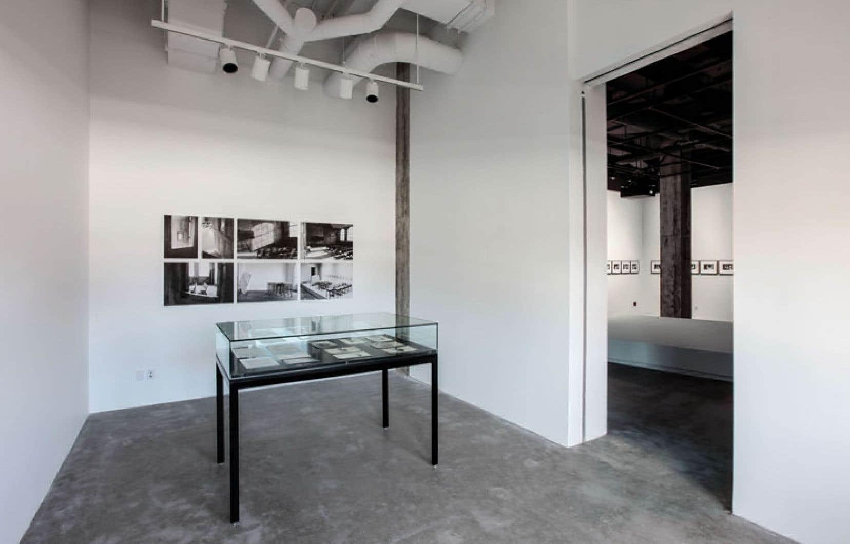 Vue de l'exposition Room 901 présentée chez Vox, centre de l'image contemporaine.