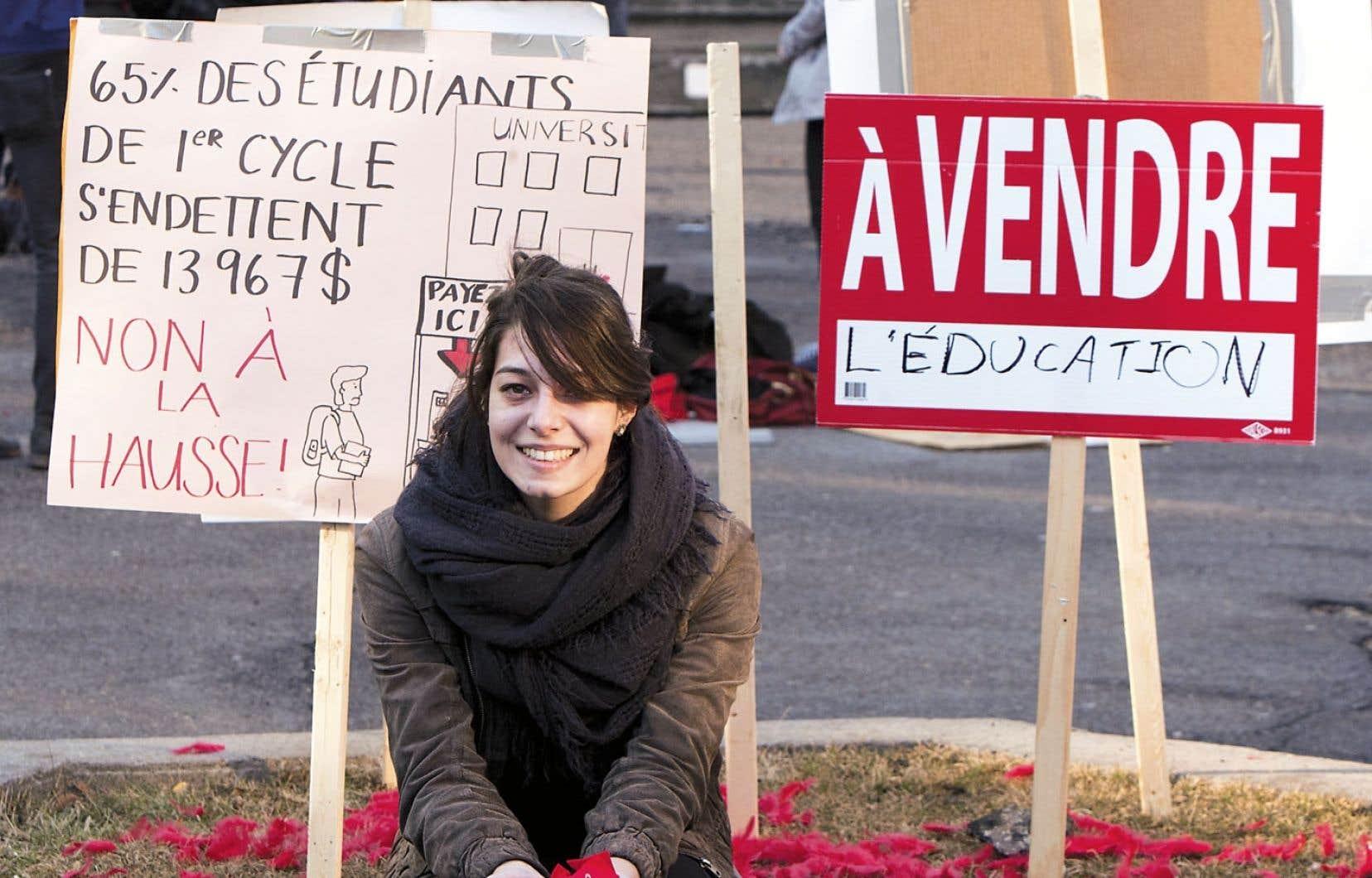 Selon la Fédération étudiante universitaire du Québec, loin d'être une panacée, un plus grand accès aux prêts constitue en fait un cadeau empoisonné.