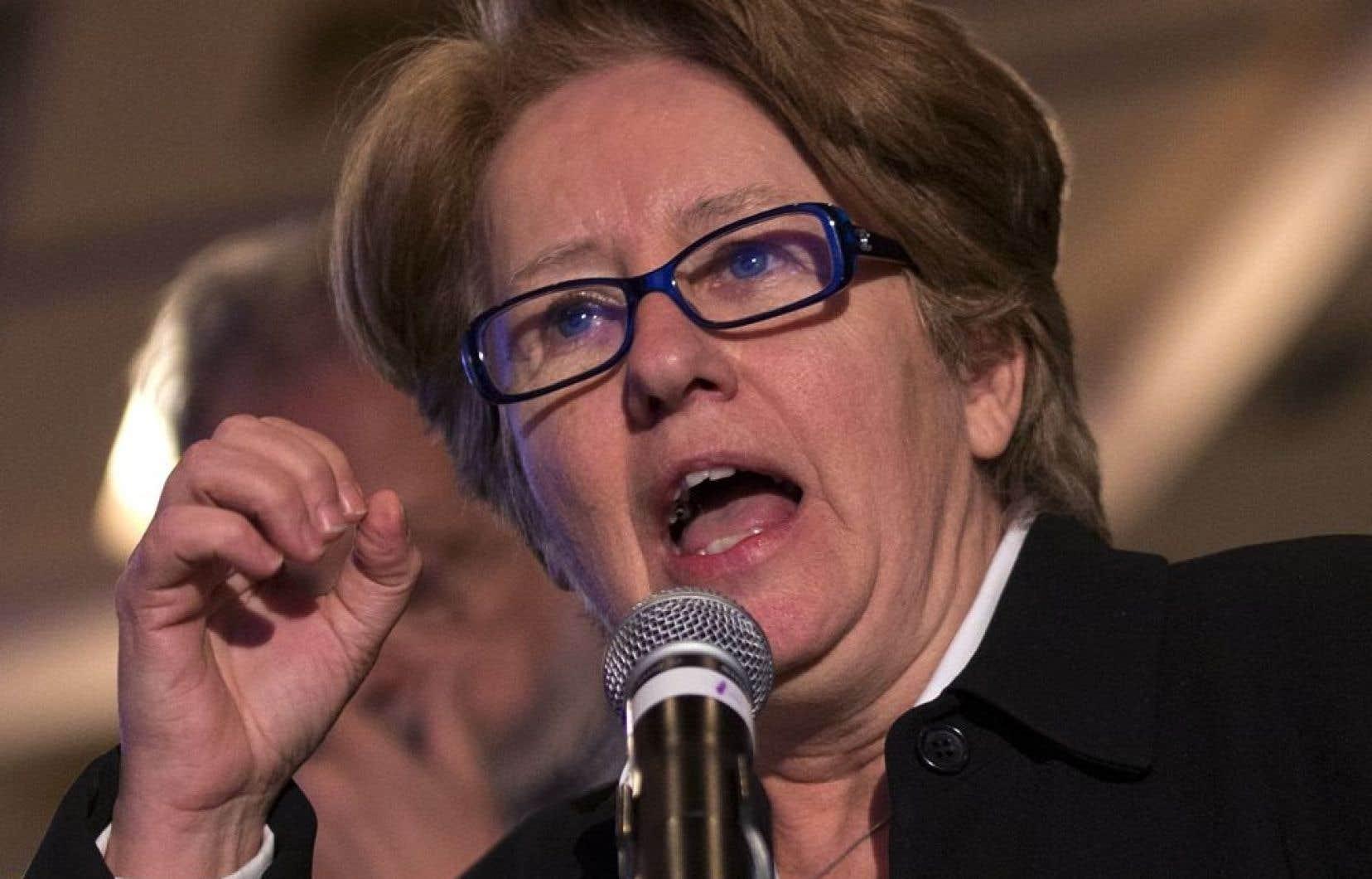 La rencontre de la ministre québécoise de l'Emploi, Agnès Maltais, avec son homologue fédérale, Diane Finley, n'a duré que 20 minutes mercredi, mais cela aura été suffisant pour que Mme Maltais déplore le «manque d'ouverture» de son interlocutrice.