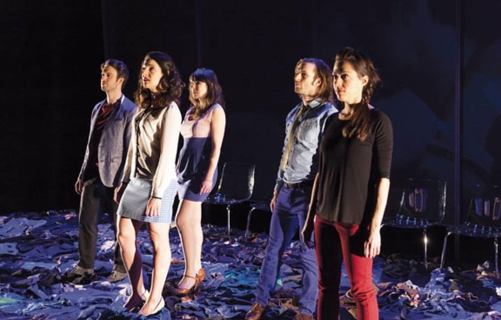 Une pièce d'orfèvrerie, au rythme implacable, portée par cinq comédiens à l'avenant et par une mise en scène délicieusement ironique de Claude Poissant.
