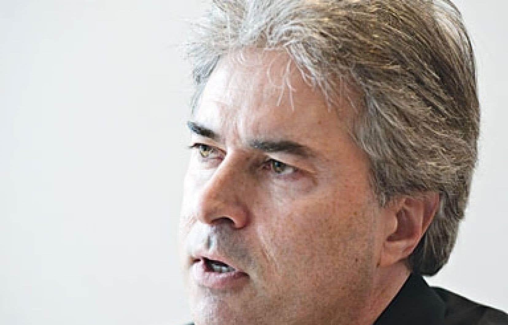 Le Conseil supérieur de la langue française se dit «préoccupé» par la perte de vitesse du français comme langue de travail au Québec. Ci-haut, le président du Conseil, Robert Vézina.