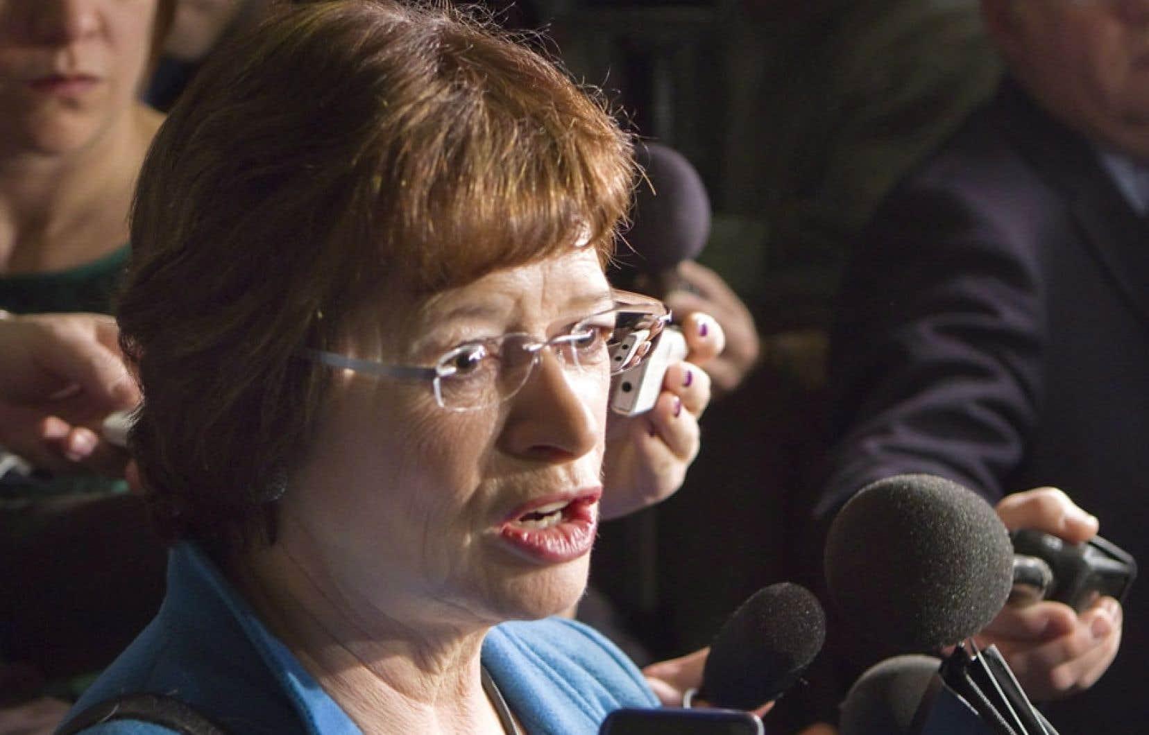 « Je lève l'obligation qui est faite à toutes les écoles du Québec d'implanter l'anglais intensif en sixième année d'ici 2015-2016», a annoncé la ministre de l'Éducation, Marie Malavoy, en conférence de presse jeudi.