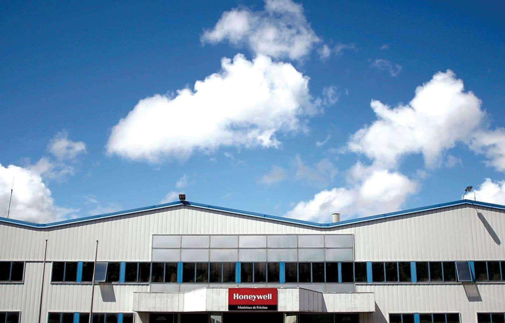 Honeywell International a accru ses réserves de revenus non taxés détenus par ses filiales à l'étranger de 3,5 milliards, à 11,6 milliards.