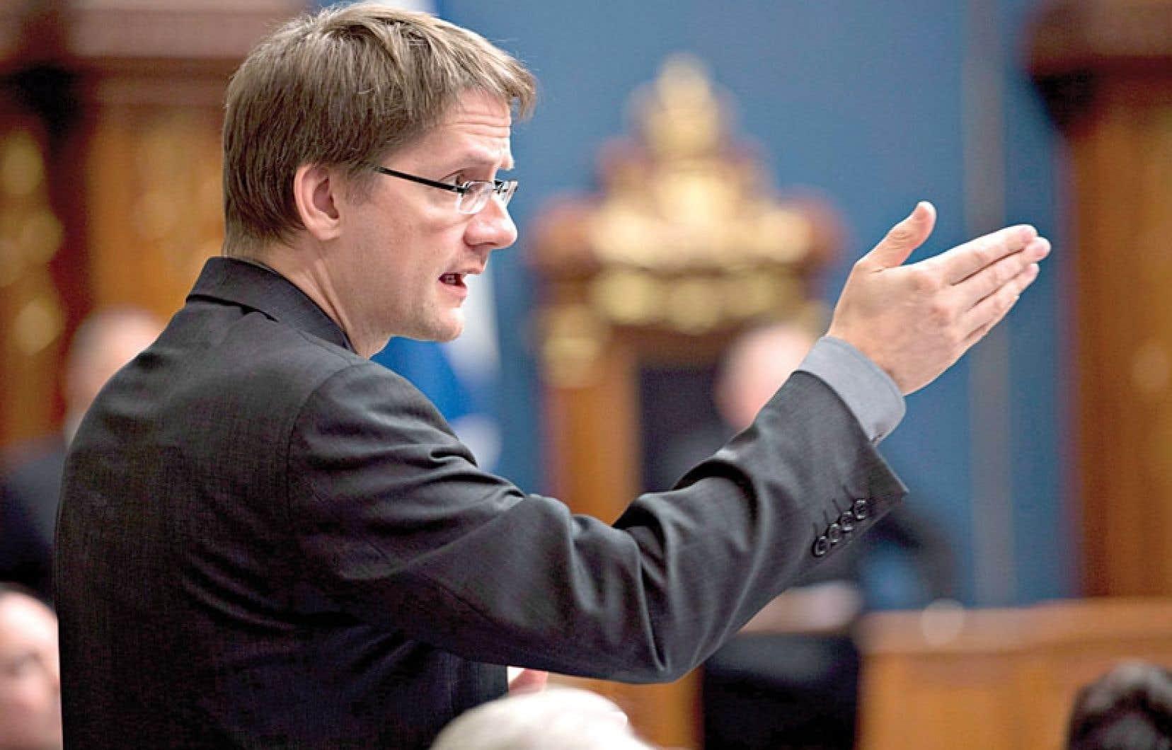 Le ministre Sylvain Gaudreault décidera sous peu si la Ville de Québec pourra bénéficier d'une approbation accélérée de l'AMF.