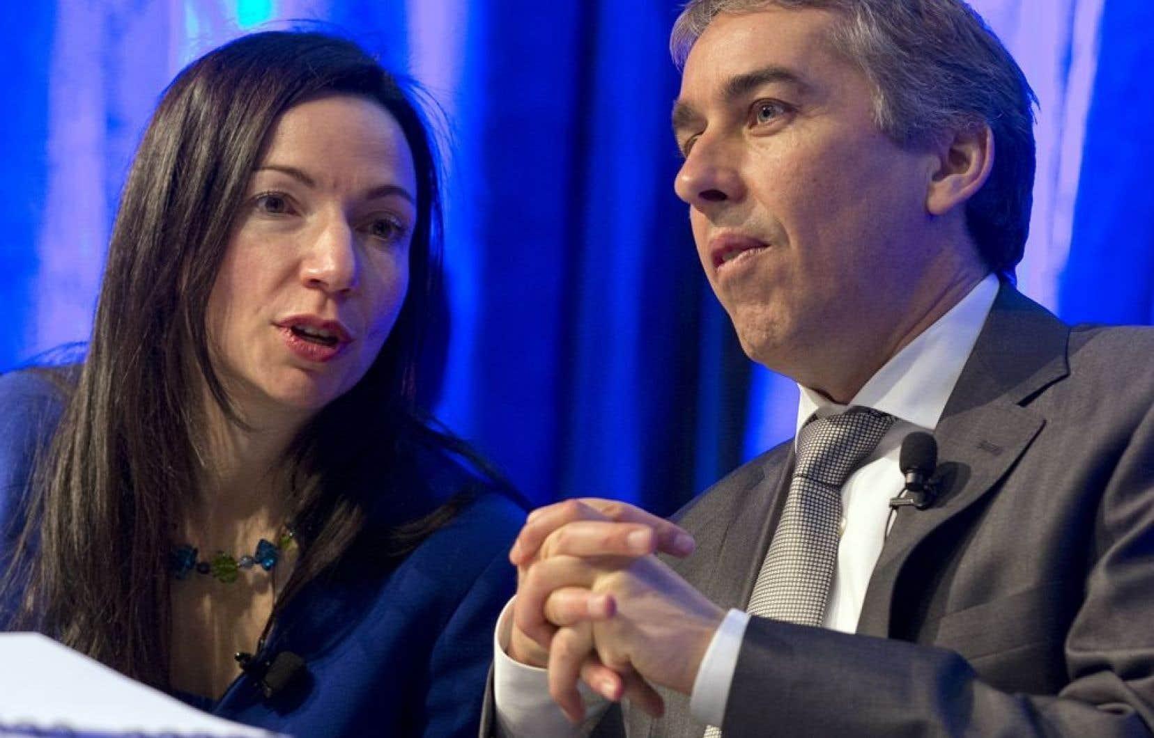 La ministre Ouellet participe vendredi au sommet sur les redevances minières, en compagnie du ministre Nicolas Marceau.