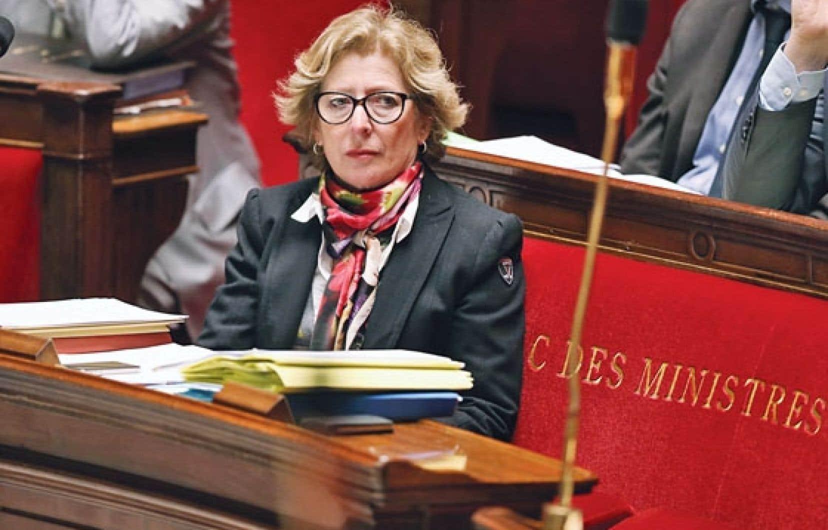 Le projet de la ministre de l'Enseignement supérieur, Geneviève Fioraso, entend, selon ses mots, adapter les universités françaises à « la concurrence internationale ».