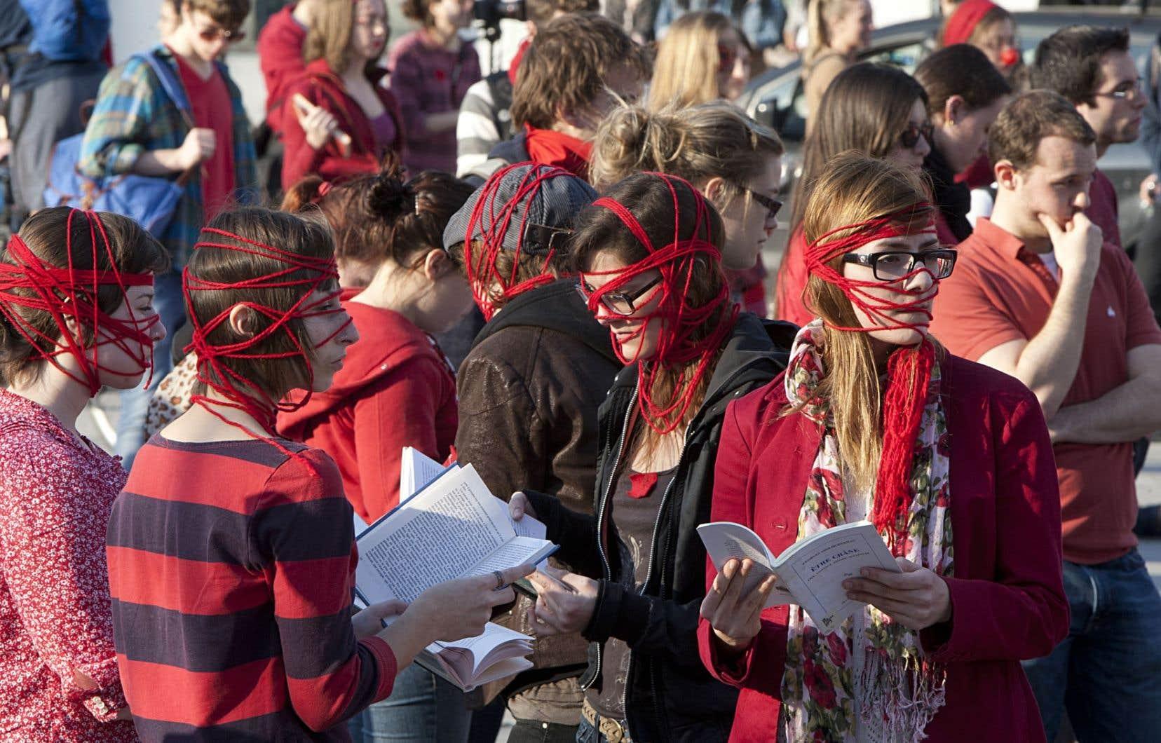 « Pourquoi, en 2012, un conflit qui porte au départ sur un enjeu traditionnel dans l'histoire des luttes étudiantes au Québec a-t-il déclenché un mouvement social d'une telle ampleur et en quoi et jusqu'où ce dernier transforme-t-il notre réalité collective ? »