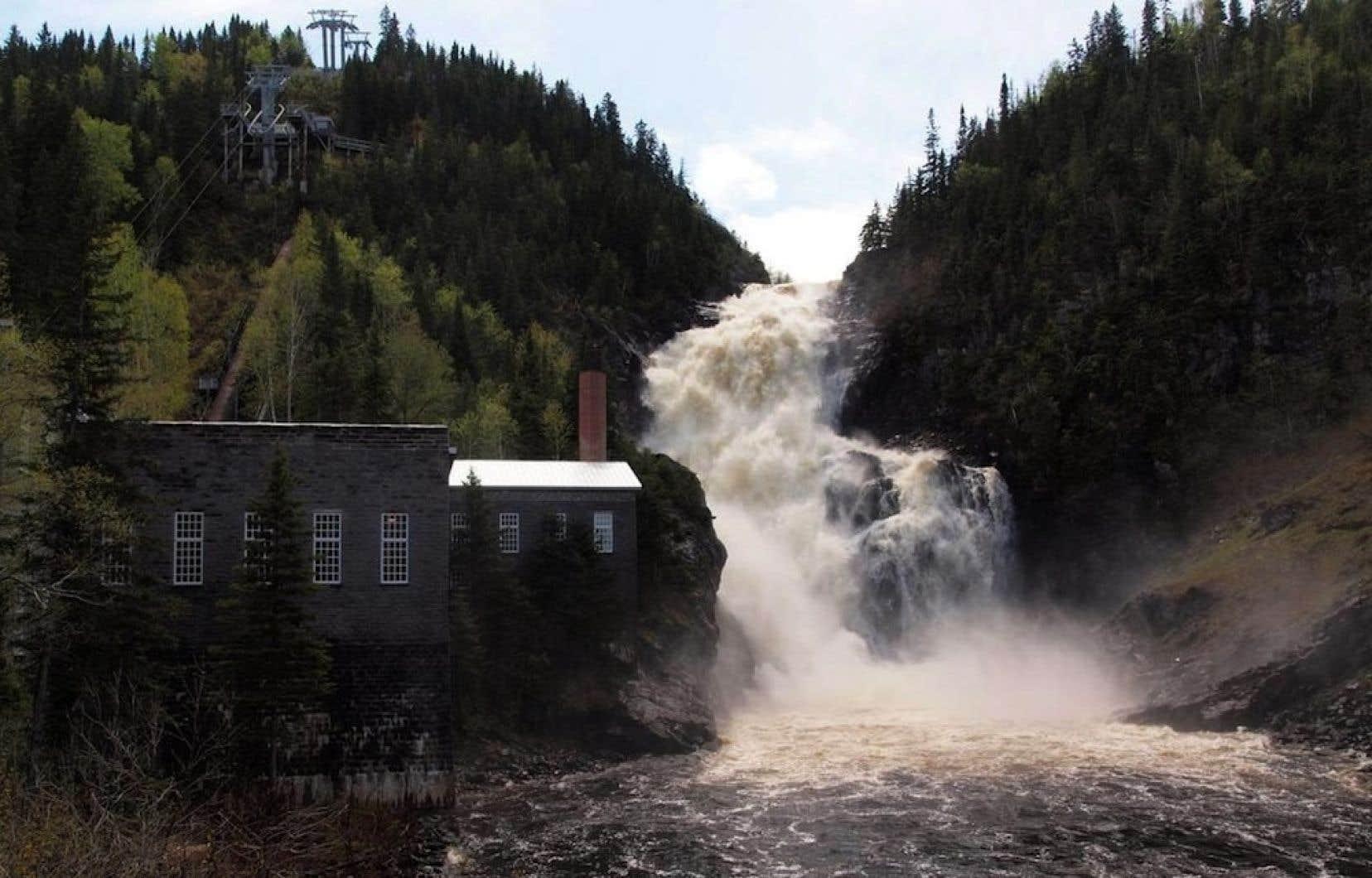 La Fondation Rivières affirme que Québec n'a pas accordé toutes les autorisations nécessaires pour lancer le controversé projet de la centrale hydroélectrique de Val-Jalbert.