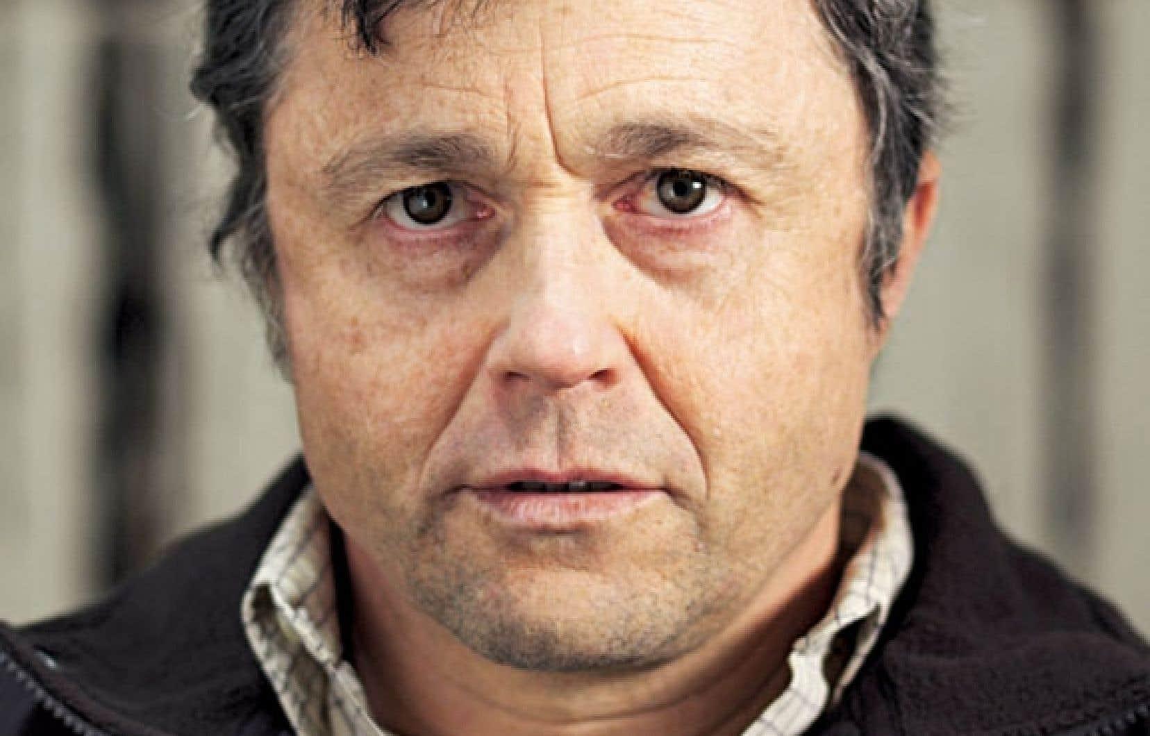 Richard (Marc Béland) victime d'intimidation pendant son enfance, décide de se venger, des années plus tard.