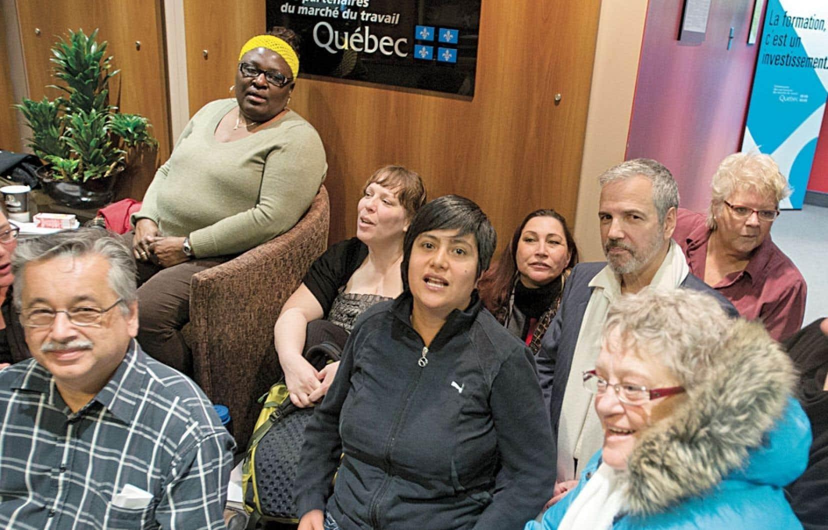Des membres de l'Organisation populaire des droits sociaux (OPDS) ont occupé vendredi les bureaux montréalais de la ministre Agnès Maltais en guise de protestation aux modifications annoncées à l'aide sociale.