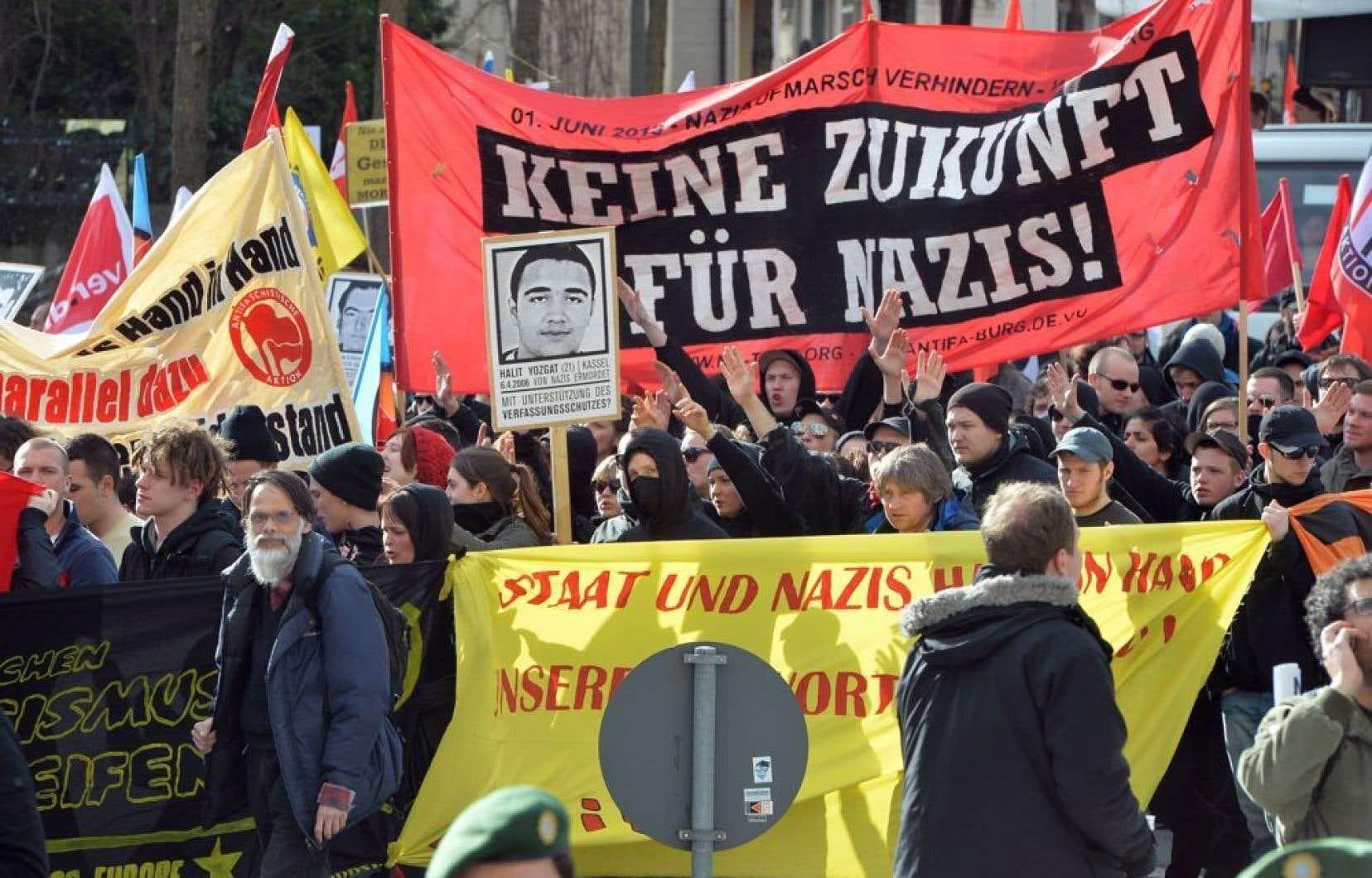 Environ 2000 personnes ont participé à une manifestation samedi à Munich afin de dénoncer le régime de terreur imposé pendant des années par un trio de néonazis.