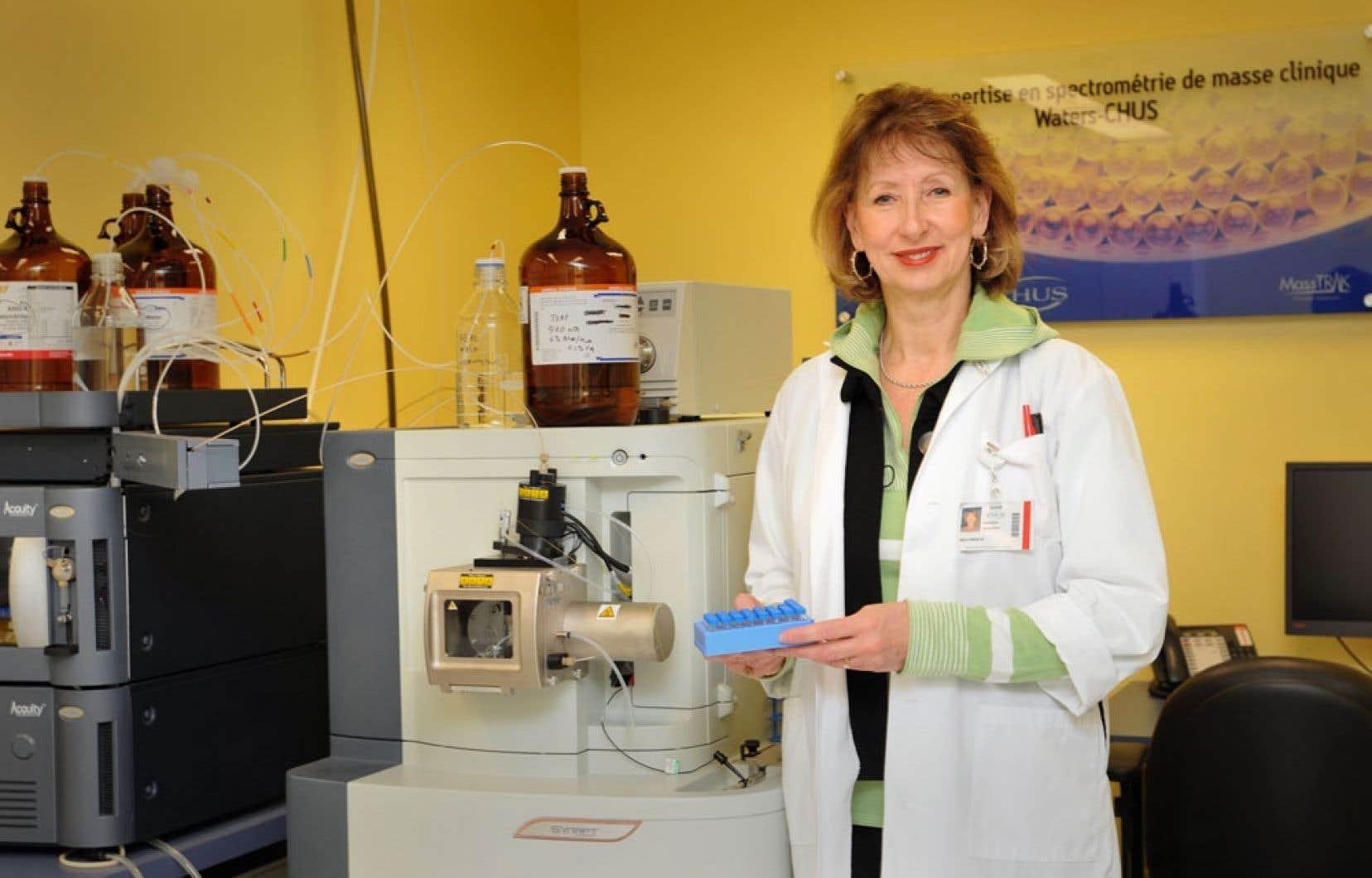 La chercheure Christiane Auray-Blais, dans son laboratoire du Centre de recherche clinique Étienne-Le Bel du Centre hospitalier universitaire de l'Université de Sherbrooke