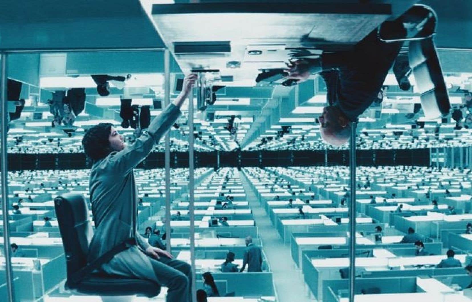 Upside Down oppose un monde d'en haut à un monde d'en bas, classes sociales comprises.