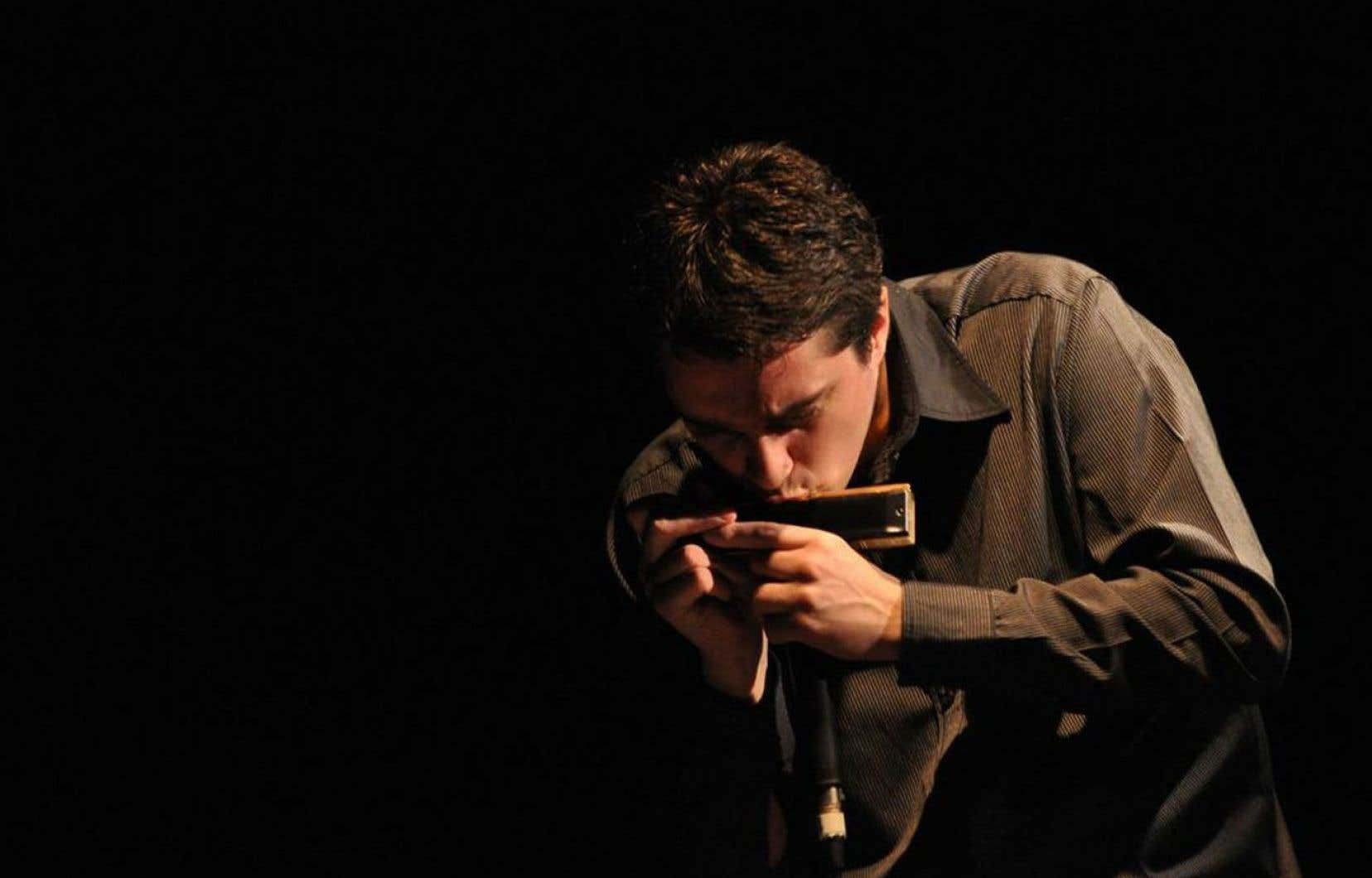 L'harmoniciste Franco Luciani est l'un des plus brillants musiciens de l'actuelle génération en Argentine.