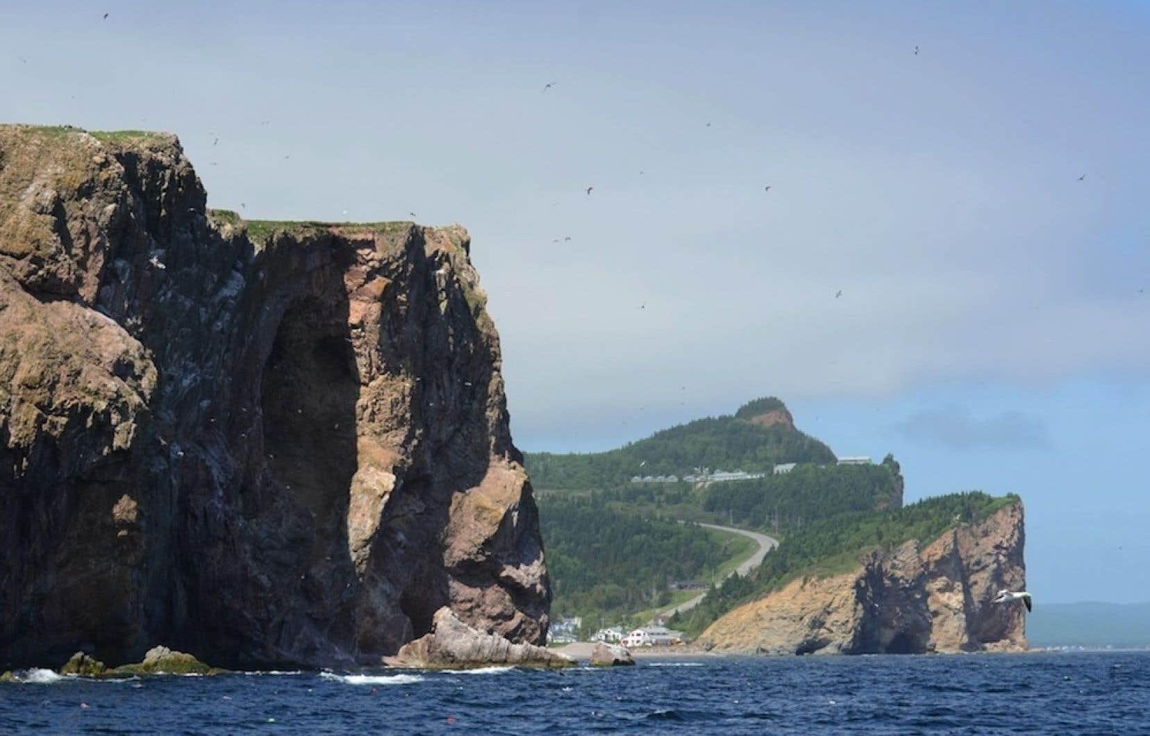 Les membres de la Conférence régionale des élus Gaspésie-Îles-de-la-Madeleine (CRÉGÎM) estiment que la situation en Gaspésie doit être étudiée « de manière sérieuse » et « indépendamment » des intérêts des pétrolières.