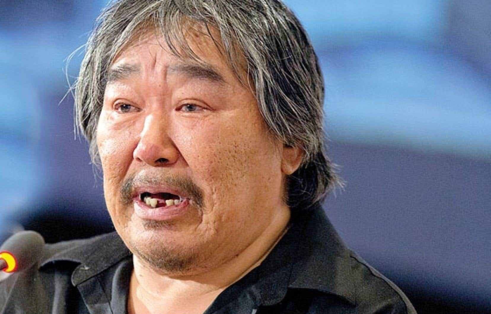 Taati Airo a fondu en larmes en relatant son passé douloureux de sévices sexuels et physiques subis dans un pensionnat autochtone.